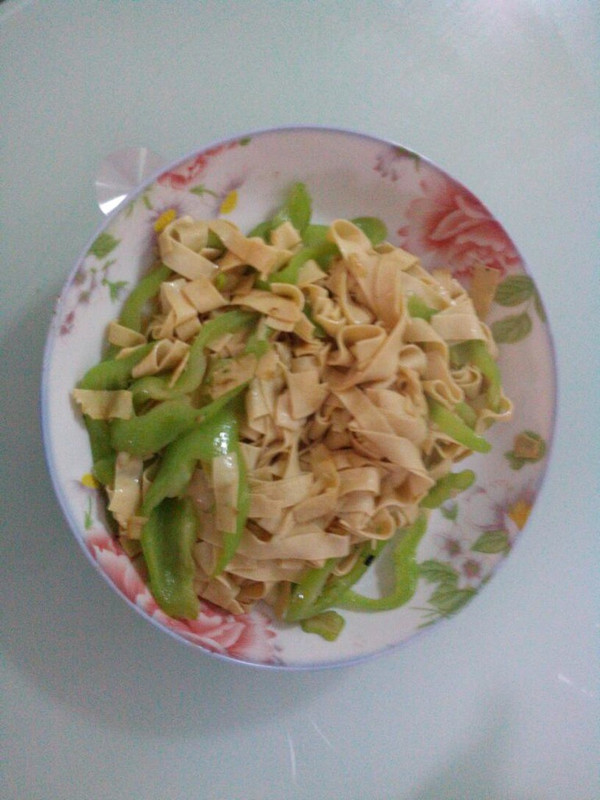 尖椒豆腐皮的做法