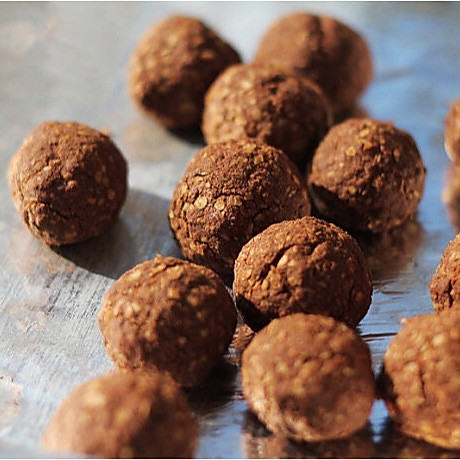 巧克力薯片能量球的做法