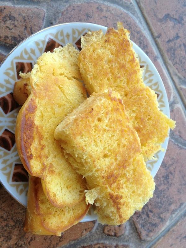 香喷喷的早餐-黄油牛奶面包片的做法