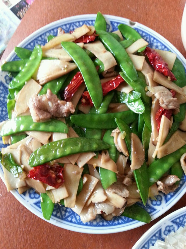 杏鲍菇炒荷兰豆  的做法