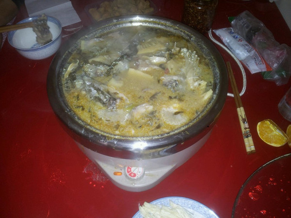 酸菜鱼火锅的做法