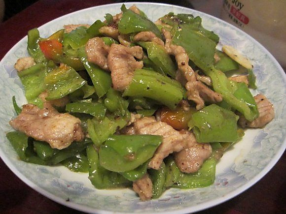 辣子 肉片(郑家硬菜之一俗称炒辣肉15元)的做法