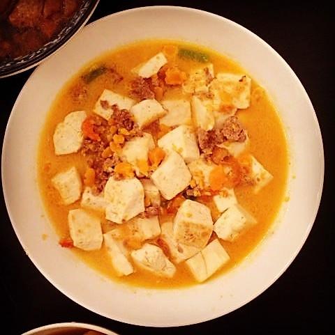 """咸蛋黄变身之""""蟹黄""""豆腐的做法"""