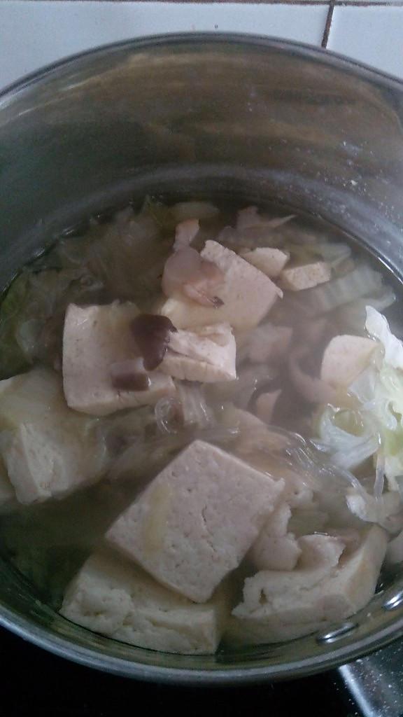 白菜豆腐荷仙菇汤的做法