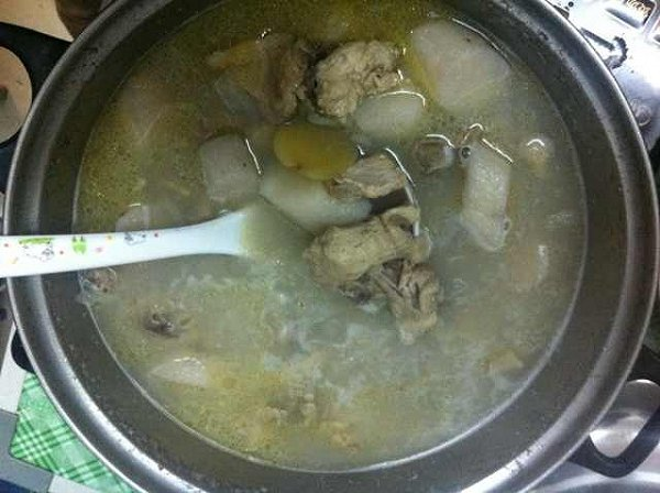 山药乌鸡汤的做法