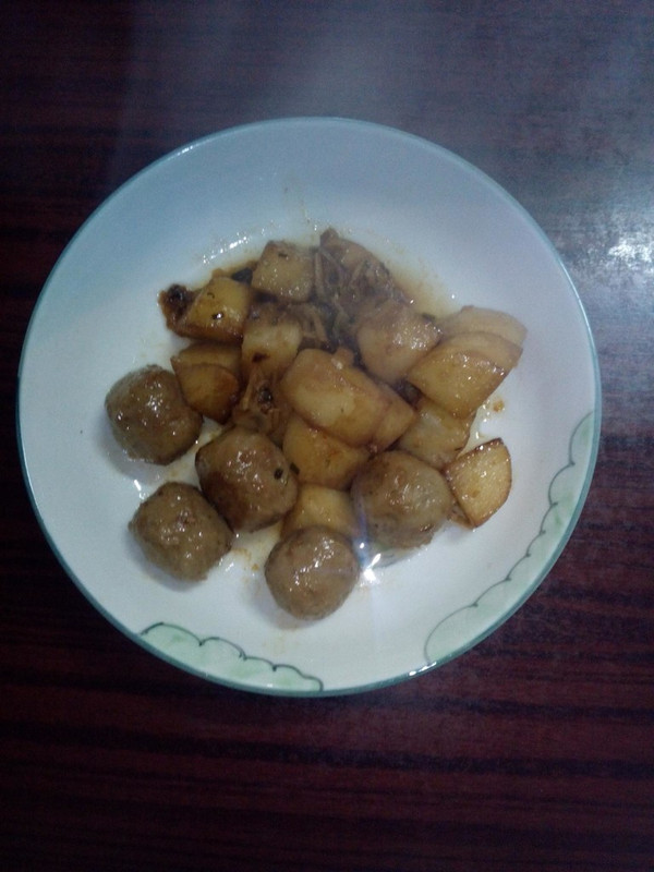 香菇贡丸烧土豆的做法