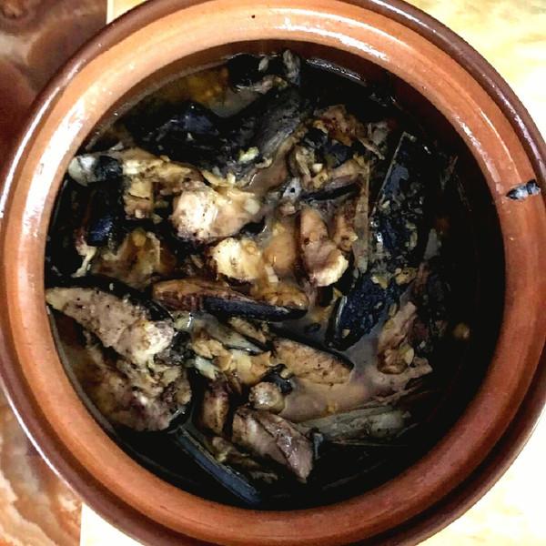 石锅鸭嘴鱼的做法