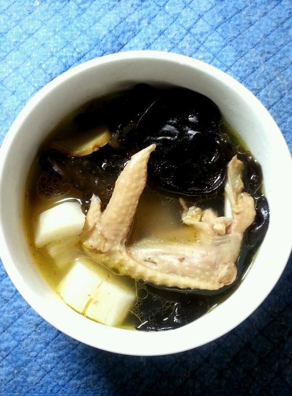 山药木耳鸡汤的做法
