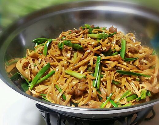 干锅菌菇千张的做法