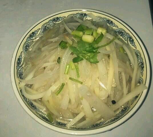 萝卜土豆粉丝汤的做法