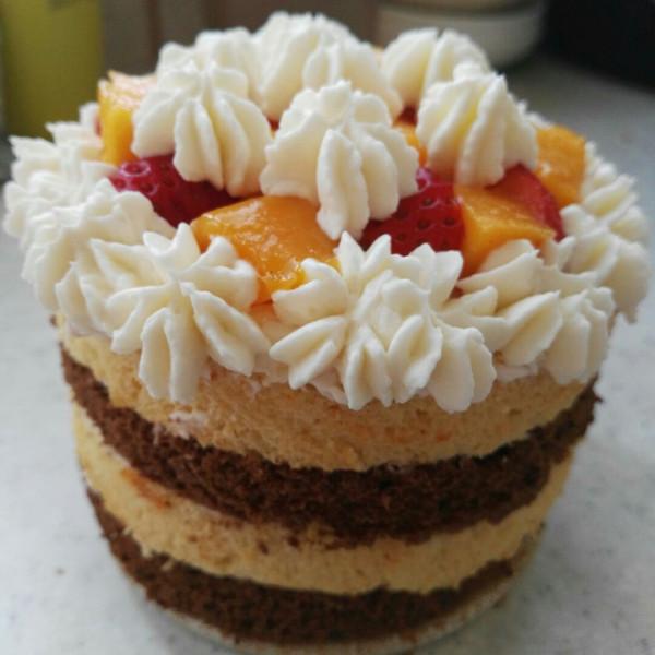 生日礼物——四寸小蛋糕,可爱!