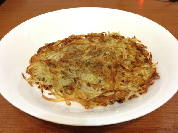 黑椒土豆丝饼的做法