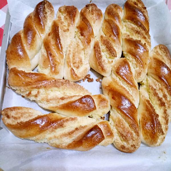 glh7的金黄诱人的做法扭扭条面包椰蓉的v做法成华润美食街三楼渭南图片