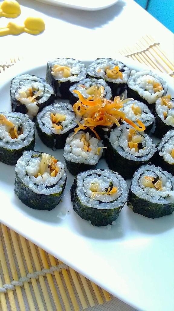 雄鸡标金枪鱼罐头试用报告——金枪鱼沙拉吐司手卷的做法