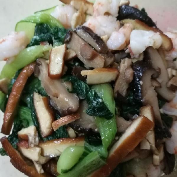 泡泡机的珍珠香菇、干虾仁香炒小油菜做法的学