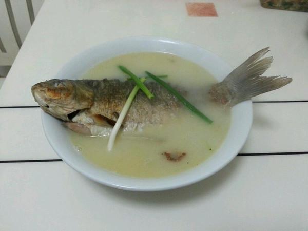 鲫鱼浓汤的做法