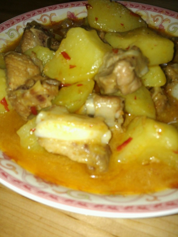 川味土豆烧排骨的做法