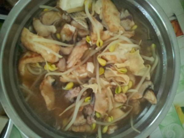 鲜菇菜心鱼片汤的做法