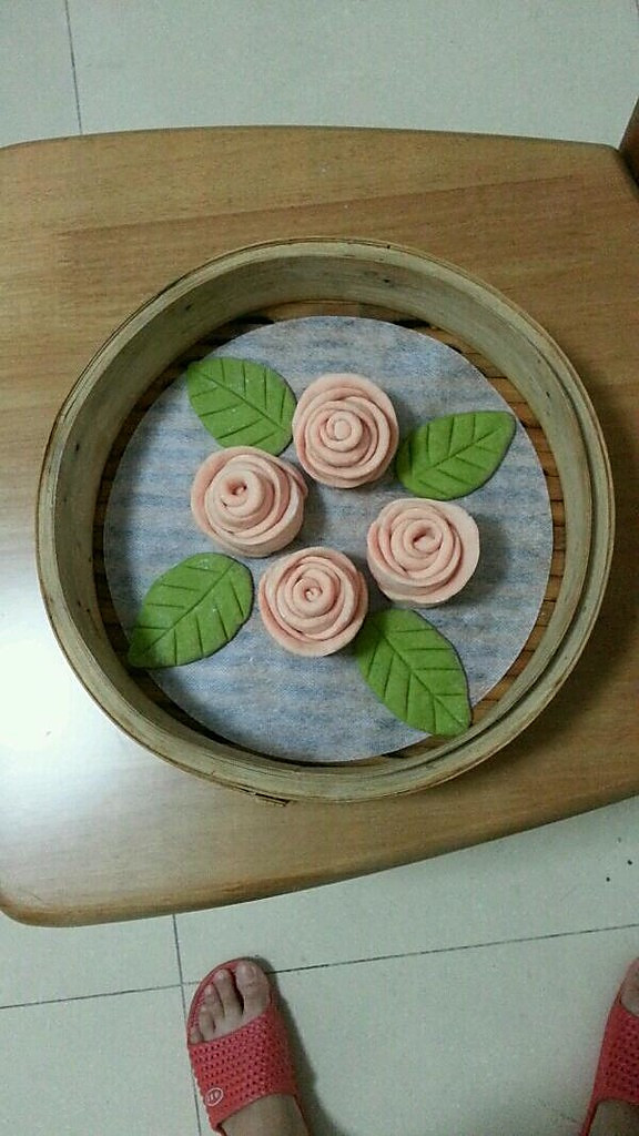 【玫瑰花玉米面馒头】的做法