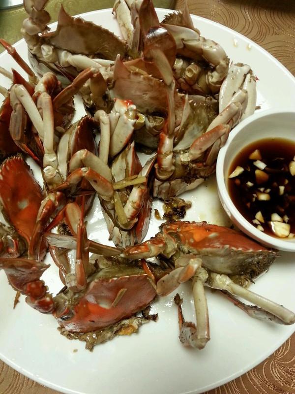 [硅胶塔吉锅试用报告]南瓜蒸蟹的做法
