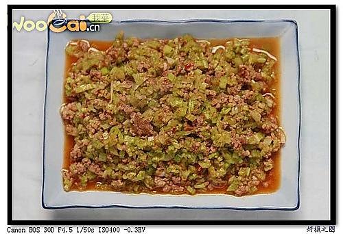 碎肉芹菜的做法