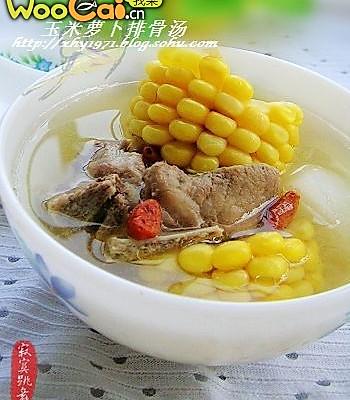 玉米萝卜排骨汤---秋燥补汤是关键的做法