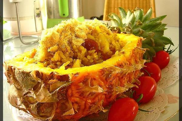 泰式菠萝炒饭的做法