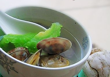 花蛤苦瓜汤